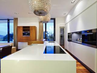 Cocinas modernas: Ideas, imágenes y decoración de ZHAC / Zweering Helmus Architektur+Consulting Moderno