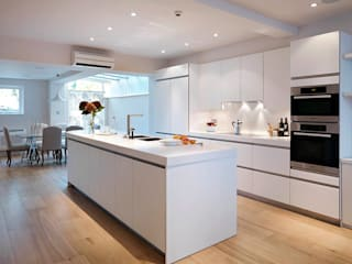 White Glass Units with White Corian: modern  by Kitchen Co-Ordnation, Modern