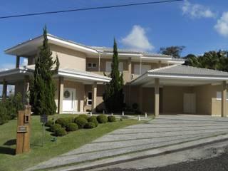 Residência Jardim das Palmeiras Casas clássicas por Bia Maia & Guta Carvalho Arquitetura, Design e Paisagismo Clássico