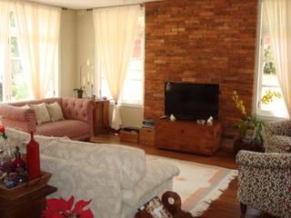 Residência no Jardim Santa Helena Casas campestres por Bia Maia & Guta Carvalho Arquitetura, Design e Paisagismo Campestre