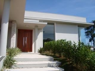 Residência Vereda América: Casas modernas por Bia Maia & Guta Carvalho Arquitetura, Design e Paisagismo