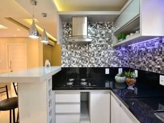 Cucina in stile  di Graça Brenner Arquitetura e Interiores