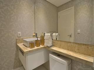 Graça Brenner Arquitetura e Interiores Salle de bain classique MDF Blanc