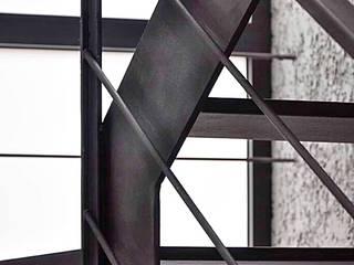 Casa JJV: Pasillos y vestíbulos de estilo  de saz arquitectos