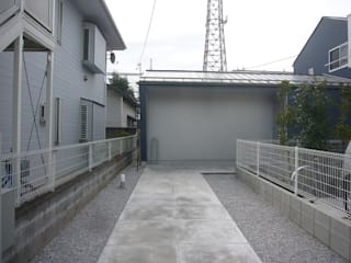 旗竿地のコートハウス: 三浦尚人建築設計工房が手掛けたです。