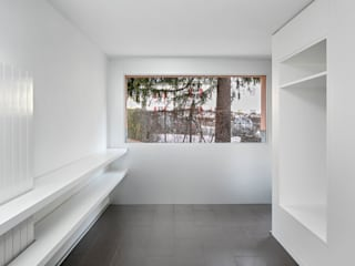 Couloir, entrée, escaliers modernes par dreipunkt ag Moderne