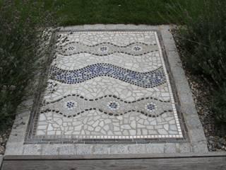 Garten 30 Meter lang und 4 Meter breit:  Garten von Lemoni GartenDesign
