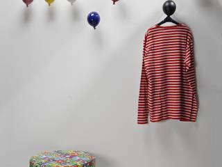 Pasillos y vestíbulos de estilo  por Creativando Srl - vendita on line oggetti design e complementi d'arredo, Moderno