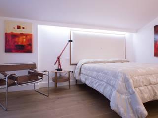 INTERNO ITALIANO ZETAE Studio Camera da letto moderna