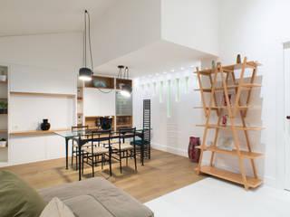 Modern dining room by ZETAE Studio Modern