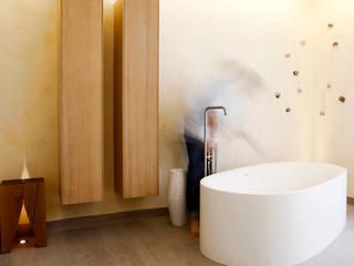 Tuba Design Spa modernos Madera Blanco