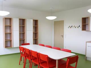 Kinderkrippe Fürstenfeldbruck Moderne Schulen von Tuba Design Modern