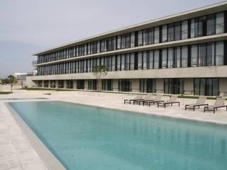 HOTEL MONTEBELO VISTA ALEGRE: Hotéis  por Habitat Arquitectura Paisagista,Mediterrânico