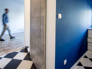 Remodelação de apartamento Architect Your Home Corredores, halls e escadas modernos