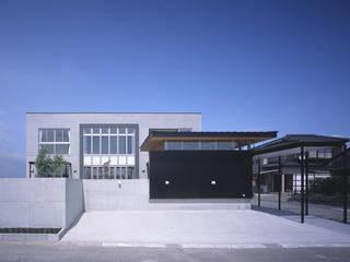 Casas estilo moderno: ideas, arquitectura e imágenes de 猪股浩介建築設計 Kosuke InomataARHITECTURE Moderno