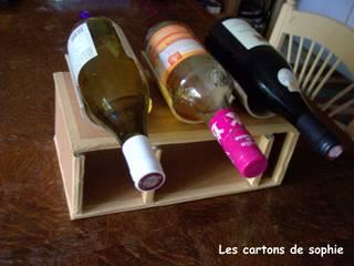 Les bouteilles rangées au dessus :  de style  par Les cARTons de Sophie