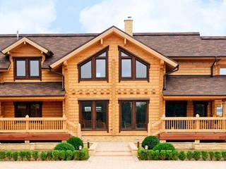 Maisons de style  par Woody-Holzhaus - Kontio