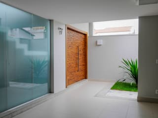 Modern corridor, hallway & stairs by A/ZERO Arquitetura Modern