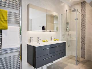 Mr & Mrs D, En-Suite, Guildford Raycross Interiors Kamar Mandi Modern Grey