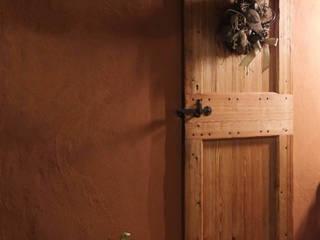 Porte anticate Contesini Studio & Bottega Finestre & Porte in stile rurale Legno massello Effetto legno