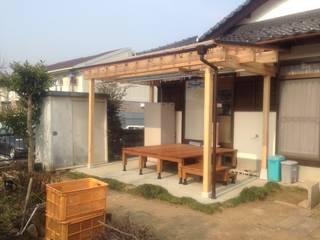 Terrazas de estilo  por 渡邉 清/スタイルウェッジ一級建築士事務所, Moderno
