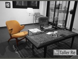 nuestros muebles restaurados:  de estilo  de TALLER RE