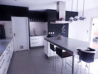 maison contemporaine Bouguenais Cuisine moderne par Archicosy Moderne