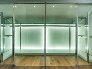 Ático Duplex, Reforma integral Vestidores de estilo moderno de Molina Decoración Moderno