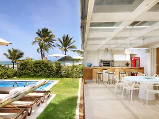 Casa de Praia (São Sebastião):  tropical por Lidia Damy Sita Designer de Interiores,Tropical