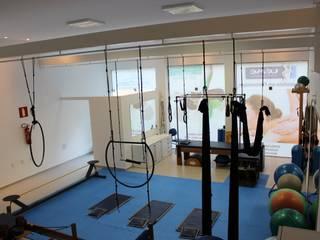 Studio de Pilates: Clínicas  por Ana Paula Diniz _ Arquitetura, Interiores e Urbanismo