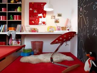 Burkhard Heß Interiordesign Dormitorios infantiles de estilo moderno Rojo