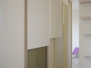 APT Rome Pareti & Pavimenti in stile moderno di tanadesignstudio Moderno