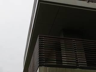 DI-vers architecten - BNA Modern balcony, veranda & terrace