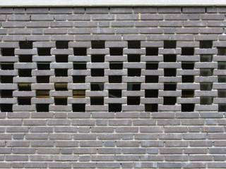 DI-vers architecten - BNA Modern garage/shed Stone