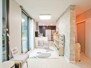 아이가 행복한 전원주택 [경남 거제도 지세포리]: 한글주택(주)의  거실