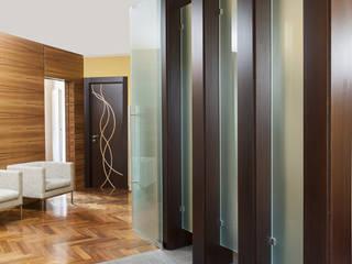 House N Ingresso, Corridoio & Scale in stile moderno di Capasso ARCHITETTI Moderno