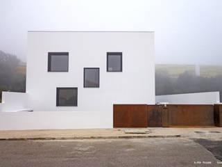Casa S.Iria por nn.arq | arquitectos Minimalista