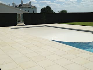 Swimming Pool - with cover Aqua Platinum Projects Piscinas de estilo clásico