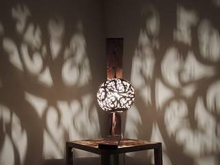 Lampe à poser, calebasse et bois de palette par Reflet Bois Éclectique