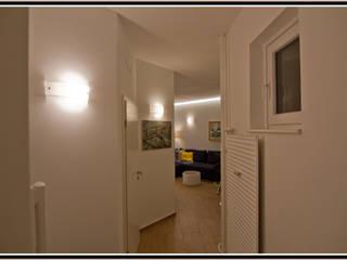 """Frau """"IS"""" Ingresso, Corridoio & Scale in stile moderno di Marco Maria Statella - Architect Moderno"""