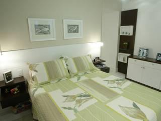 Apartamento Maça Verde: Quartos  por EMMILIA CARDOSO DESIGNERS ASSOCIADOS,Moderno