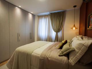 Estúdio HL - Arquitetura e Interiores Modern style bedroom Red