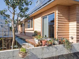 千田建築設計 Eclectic style garden Wood