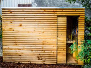 Modern conservatory by Kalpana Solutions Modern