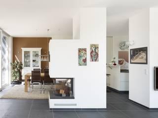 Dining room by SIGRUN GERST ARCHITEKTUR,
