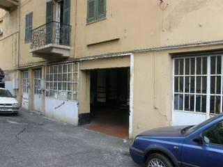 Stato attuale: Garage/Rimessa in stile in stile Moderno di Architetto Termografo Denise Vola