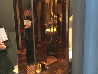 Shower in Copper Peach tinted mirror Ausgefallene Badezimmer von Dominic Schuster Ltd. Ausgefallen
