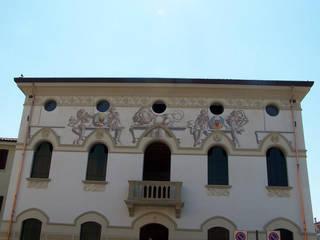 Decorazione di casa canonica con temi sacri. di Sulla Soglia decorazioni artistiche. Classico