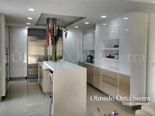 сучасний  by Cocinas Integrales Olmedo Ortiz Sierra, Сучасний