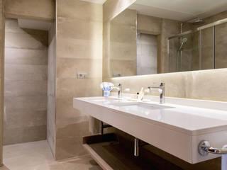 Hoteles de estilo moderno de adela cabré Moderno